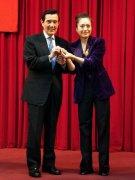 台湾前领导人马英九获大陆制片人赠心意好礼